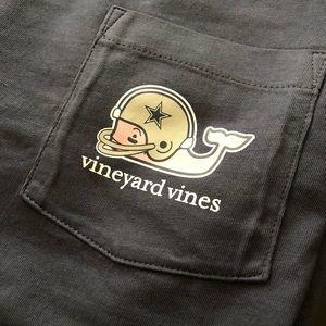 a0bfe8e90 Vineyard Vines Shirts - Dallas Cowboys Vineyard Vines Helmet Tee- S
